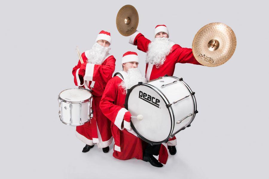 Барабанщики Деды Морозы