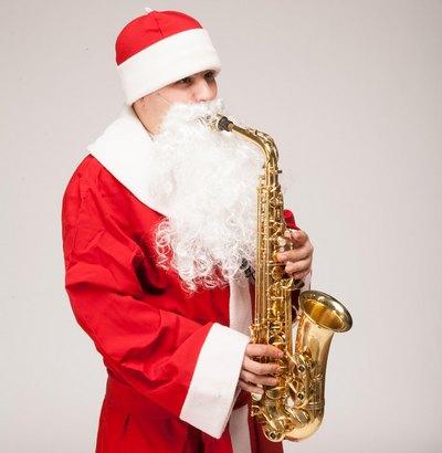 Саксофонист Дед Мороз